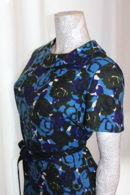 vintage blue flower pattern dress