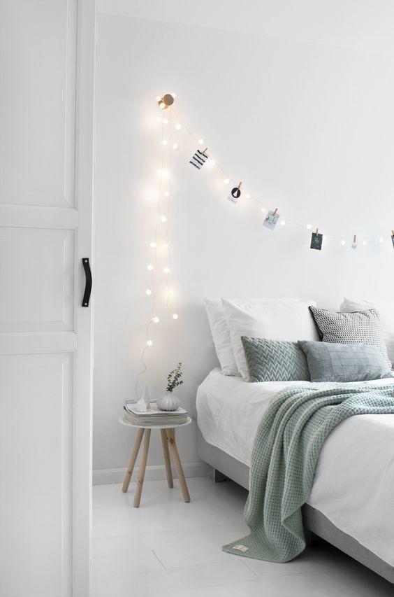 Bedroom winter - Tanja van Hoogdalem