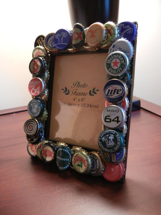 Tappi di metallo ecco 22 nuove idee creative per for Beer bottle picture frame
