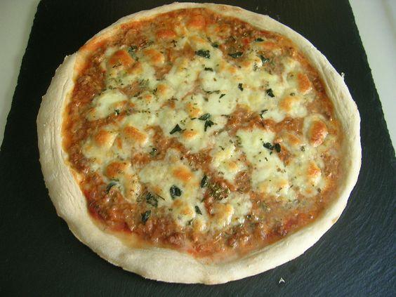 Pizza boloñesa.