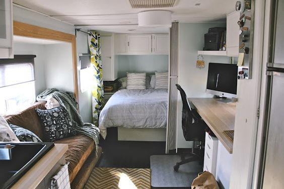 Una caravana reformada por completo, con una cocina espectacular   Decorar tu casa es facilisimo.com