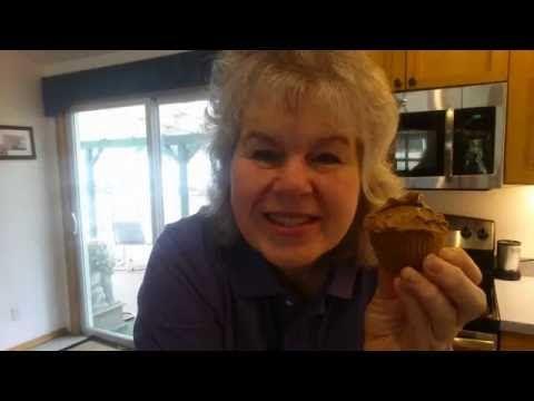Peanut Butter cupcakes/avocado chocolate pudding 5 carbs + a beautiful sunset - YouTube