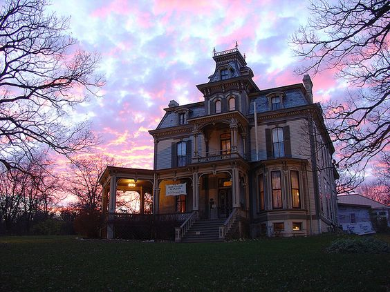Old house, Garth Mansion in Hannibal MO. Second Empire with central tower. (sunset)