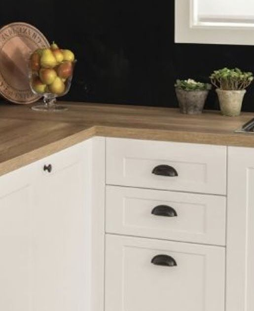 This Is One Of The Many Kaboodle Kitchen Ranges You Can Nice Handles Clean Simple Cupboard Lines C Kitchen Cupboard Handles Cupboard Handles Kitchen Cupboards