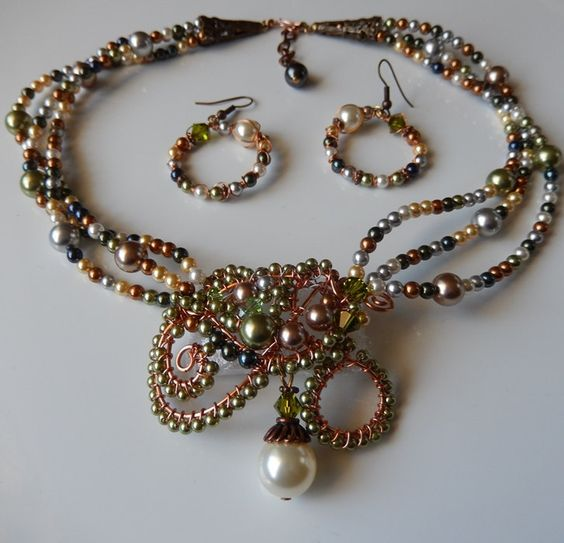 Fairy Queen Necklace and matching earrings in Swarovsky crystal pearls by MyTrueFlair on Etsy