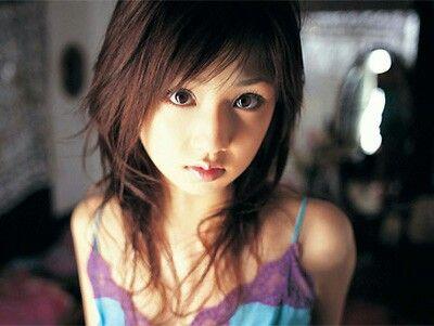 ロリ顔な小倉優子