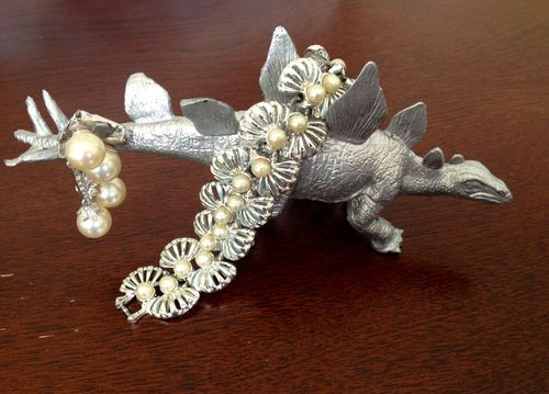 DIY: Dinosaur It Yourself  DIY dinosaur jewelry holders