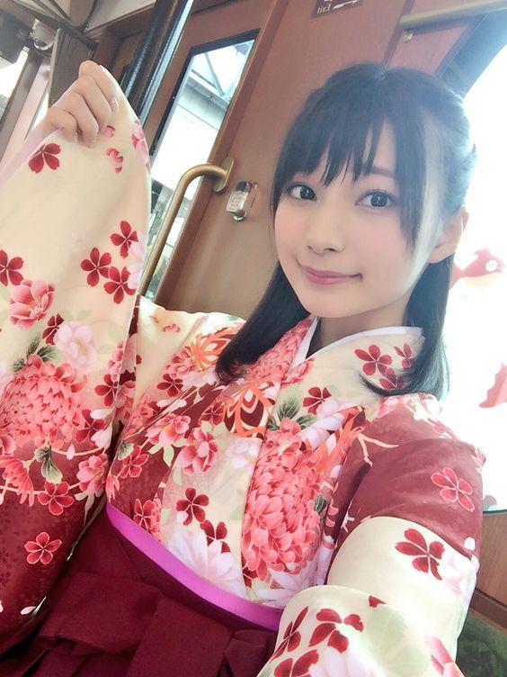 着物姿の高野麻里佳さん