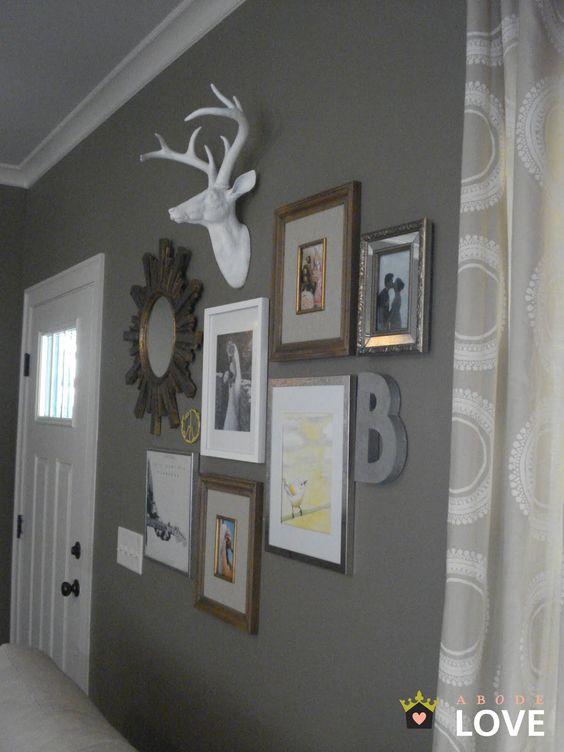 Faux Bois De Cerf : de peinture grises t?tes d animaux murs blancs miroir en forme de
