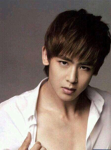 2PM (Nichkhun)