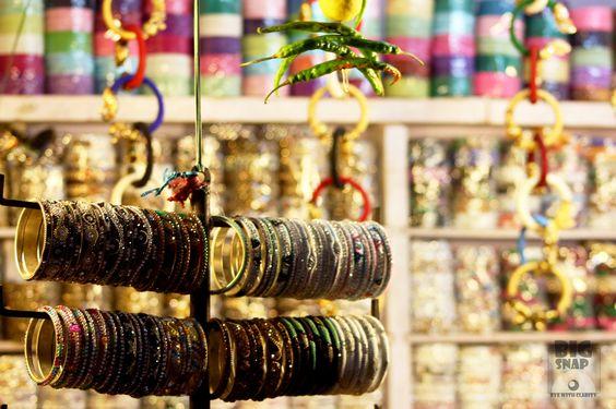 Roadside bangle shop by Rajkumar Srikumar