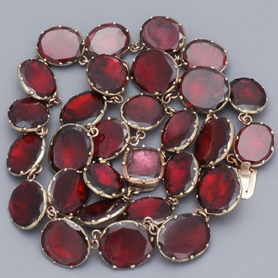 Antique Georgian Garnet Necklace
