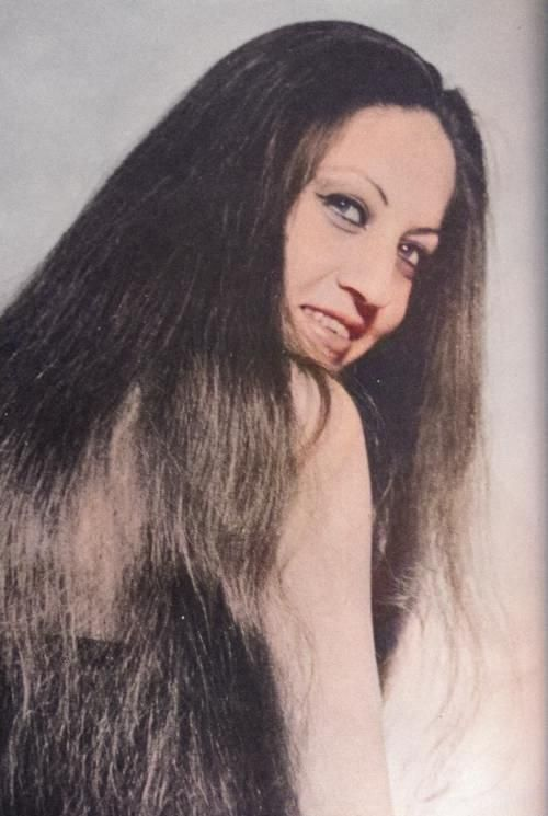 Balqis Al Rawi Nizar Qabbani S Wife Long Hair Styles Hair Styles Beauty