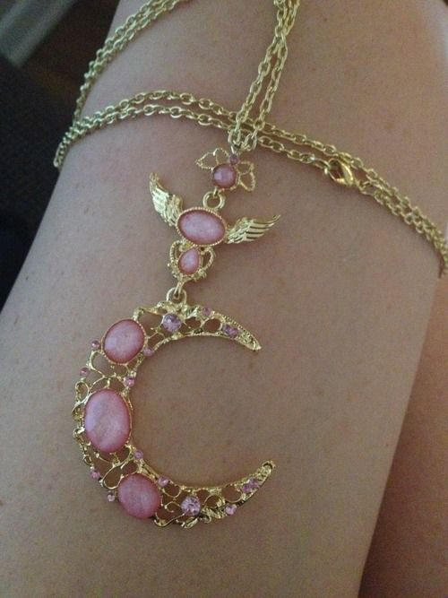 1x Gold Color Pink Lucite Crystal Crescent Moon Wing Cute Pendant Necklace