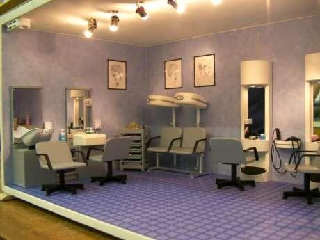 Miniature Beauty Salon Vignette