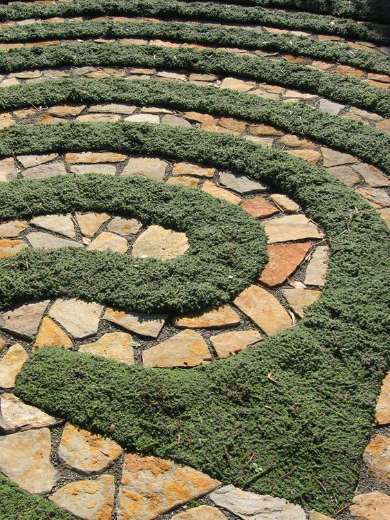 Sandstone paving labyrinths and natural on pinterest for Garden labyrinth designs