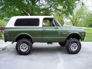 1971 Chevy K-5 Blazer this is what my grandmother drove when I was a kid!!!