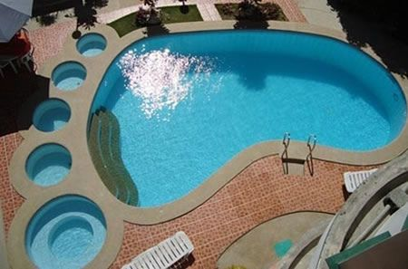 足型プール