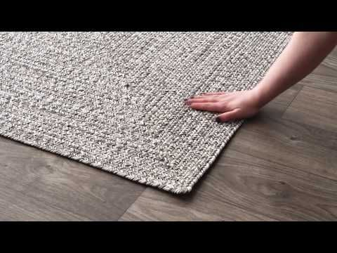 Bring This Contemporary And Braided Rug To Give An Elegant And Chic Look To Your Home Made Of 100 Percent Polypropylene Fiber The Rugs Outdoor Rugs Area Rugs