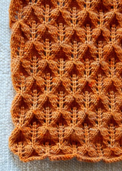 Great stitch!! A simple combo of yarn overs and decreases. Free scarf pattern...