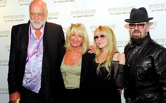 Fleetwood Mac return with Christine McVie for the first time in nearly 15 years | EW.com