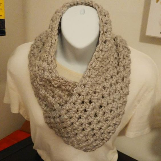 Came up with a new design... I sort of love it. 🐑❤ #rebeccajoknits . . . . #etsyseller #knitstagram #knit #crochet #cowl #neckwarmer #handmade: