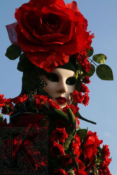 """Every year in venice masks fill the streets. The costumes are sumptuous and fanciful, and some can be beautiful without the need for gold and brocades. """