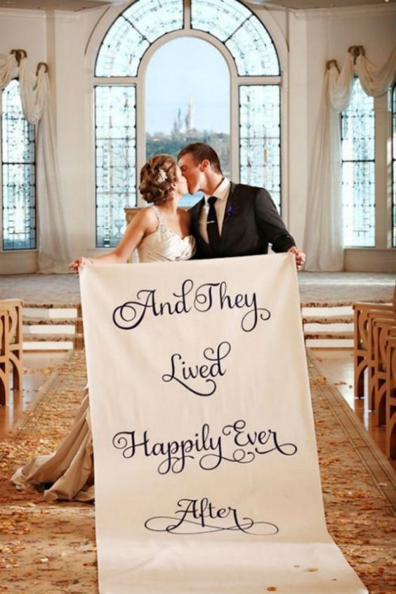 A Timeless Wedding At Trail Creek Cabin In Sun Valley Over The Moon Timeless Wedding Wedding Wedding Dresses Lace