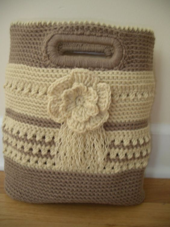 Crochet bag with plastic handle