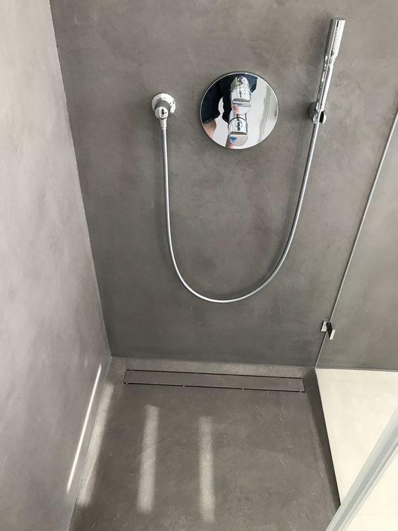 Carameo mineralischer Putz für fugenlose Bäder und Spachtelböden - badezimmer fliesen ideen schwarz weiß