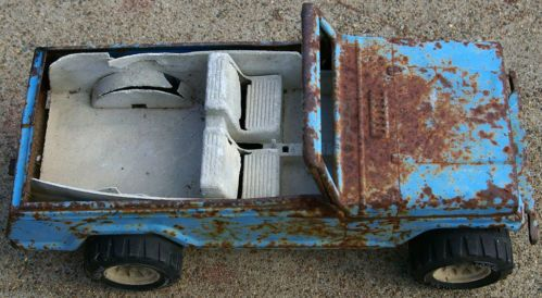 Vintage Metal Tonka Jeepster for Parts and/or Repair