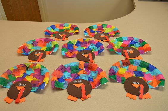 Right before Thanksgiving, the residents got to prepare their very own turkey. These weren't your average 'birds', however; this was an art project! Take a look...