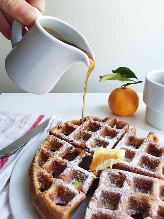 às nove no meu blogue: Panquecas de aveia, banana e iogurte
