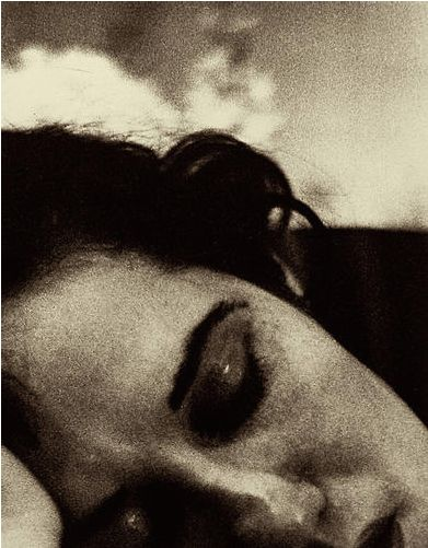 My feet will want to walk to where you are sleeping but I shall go on living • Pablo Neruda • Photo: Saul Leiter, 1950