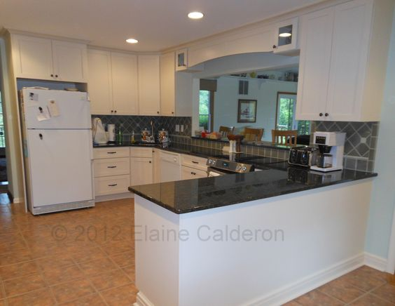 Medallion Cabinetry Potters Mill Maple Door Painted Divinity White Granite Countertop Verde