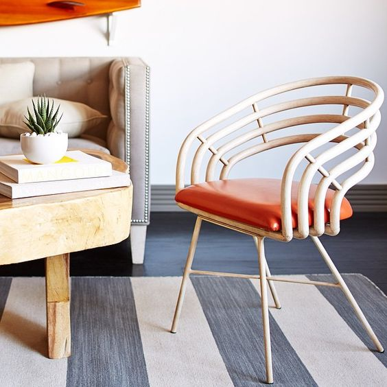 Check out those curves! ✨ Link to this chair in our profile.✨ #chaircrush #onekingslane #modern