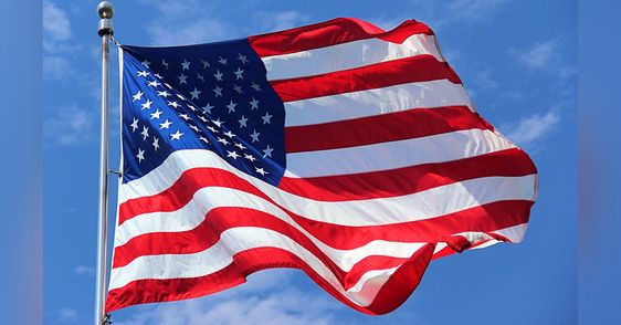 Here S The Real Reason Why U S Flags Are Backwards On Military Uniforms Flag Etiquette Displaying The American Flag Flag