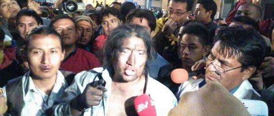 Ecuador: Violenta represión del gobierno de Correa a manifestación indígena por sus derechos  http://www.pueblosencamino.org/index.php/asi-no/extermino-terror-y-guerra/1428-correa-sin-vergueenza-deje-de-servirle-al-a-cia-y-al-capitalismo-a-nombre-de-la-izquierda