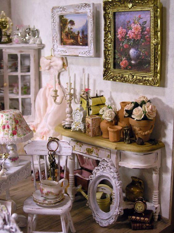 Dollhouse antiquaire parisien Shabby Chic Style par Minicler