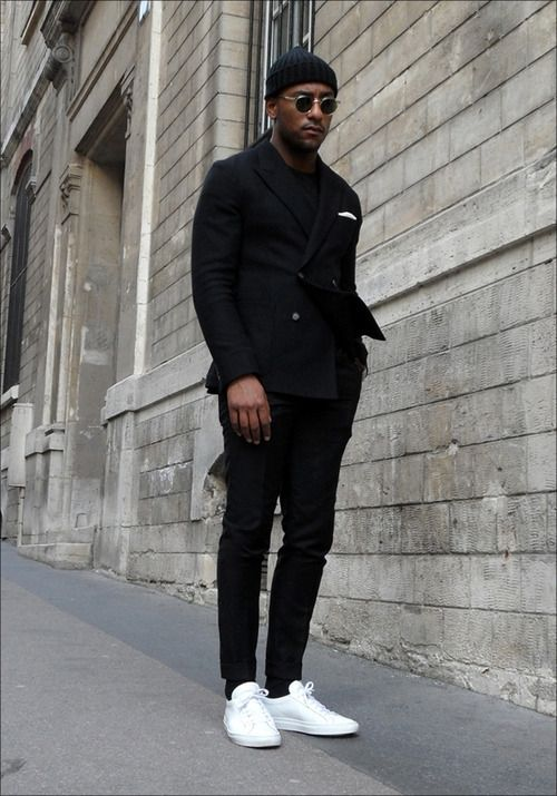 Menswear. Fashion. Street Style. Black & White. Layers. Fall. Sneakers. Slim. Fit. Tailored. Handkerchief. Double Button. Blazer. Men. Fashion. Clothing. Cap. Autumn.