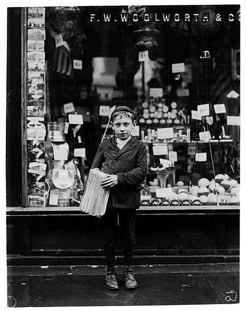 Vendedor de Periódicos (1910).