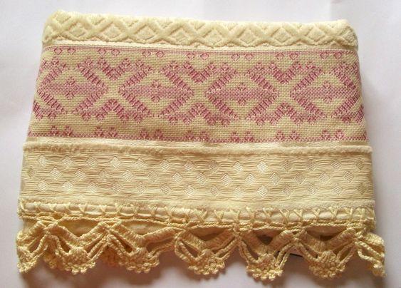 Toalha de banho bordada em vagonite | Bordados e Linhas | Elo7