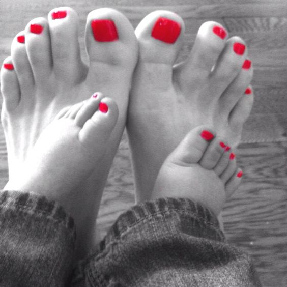 Mommy daughter pedicures~can't wait for a Mommy & daughter day with my sweet little princess!: