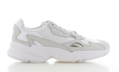 Falcon Wit Dames | Sneakers nike, Air jordans, Jordans sneakers