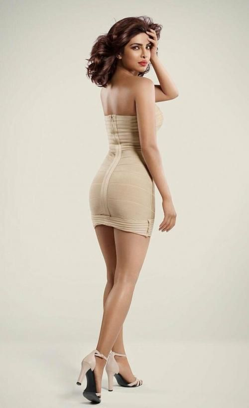 Who Has Got A Better B O O T Y Rt For Priyanka Chopra Like For Deepika Padukone Bollywood Girls Bollywood Actress Hot Photos Priyanka Chopra Hot
