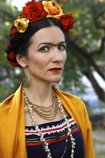 frida by khelanew, via Flickr  This is one well-done costume!