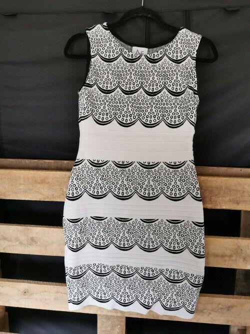 Damen Kleid Ashleigh Gr 36 Schwarz Weiss Feinstrick Super Zustand Ebay In 2020 Kleidung Pullis Damen Kleider