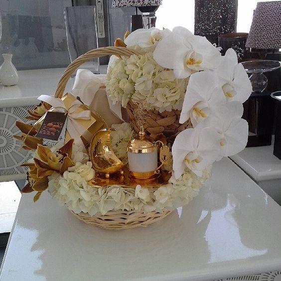 Crochet florist arabic gifts hospitality pinterest for Arab wedding decoration ideas