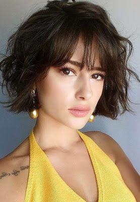 La moda en tu cabello: Peinados medianos de moda con flequillo 2019