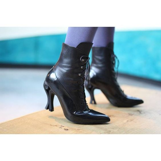 Take your shoe collection to another atmosphere with these Celestial creations. Find The SERAPHINA (link in profile) boots in…